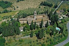 Holiday House Tuscany: the website for Montegufoni. I so want to go there. It would be amazing to stay in the place that part of this book occurs in. Can I find time...that is the question.