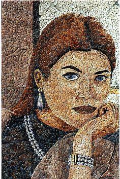 Mosaicos con los tonos naturales de las conchas del litoral de Valencia…