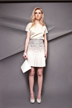 Hellen van Rees is a Dutch fashion and textile designer who graduated from the prestigious MA Fashion at Central Saint Martins in London in February 2012. Before that she finished the BA Fashion design at ArtEZ Institute for the Arts in Arnhem, The Netherlands.