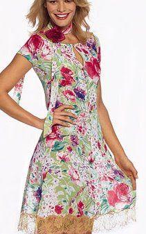 Patrones de vestidos gratis para imprimir en casa escote ojal falda evasé burda style