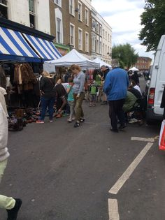 Busy Saturdays on Portobello Road