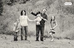 www.amywphotograp... Copyright Amy Wallen Photography    now heres a real family!    family session, family portraits