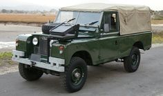 Land Rover 109 Serie II soft top canvas with exterior frontal seat... Photographer Life Explorer. Lobezno.