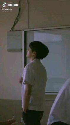 Foto Jungkook, Jungkook Abs, Jungkook Cute, Bts Jin, Bts Taehyung, Jungkook Predebut, Bts Video, Foto E Video, Kpop Gifs
