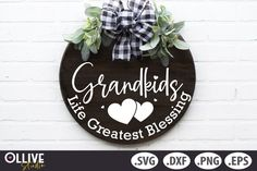 Charger Plate Crafts, Charger Plates, Grandkids Sign, Personalized Wood Signs, Pattern And Decoration, Journal Cards, Door Hangers, School Design, Silhouette Studio