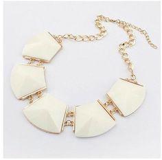 Fashion Elegant White Resin Geometry Choker Bib Necklace #Handmade #Bib