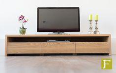 tv meubel seal fijn timmerwerk meubelmaker maatwerk televisiemeubel tv meubel dressoir van eikenhout of notenhout massief met afgeronde hoeken en lades om iets op te bergen