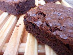 Añadir leyenda     Entre todas las recetas que tengo de brownies  de chocolate, el otro día decidí hacer esta. La verdad es que nos encant...