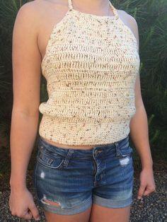 Simple Crochet Halter Top. Free Pattern and video tutorial!! https://medium.com/@QuinnNunes/crocheting-a-halter-top-8020ba57b817#.mpx5svswo