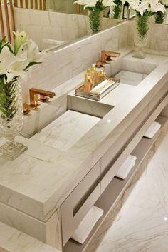 Banheiro com bancada em mármore - Interior Design Lover Blog