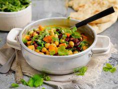 Tre hverdagsmiddager for deg som vil spise mindre kjøtt Naan, Chana Masala, Nom Nom, Salsa, Mexican, Cooking, Ethnic Recipes, Health, Food