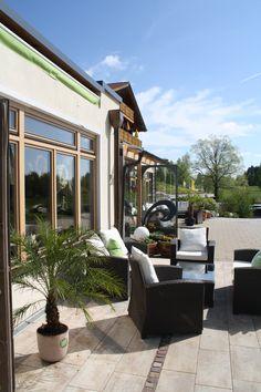 Terrassen-Lounge, Parkhotel am Soier See, Bad Bayersoien, Ammergauer Alpen, Bayern  ** Outside lounge, Parkhotel, Bavaria