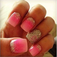 Pink ombré nails with sparkle manicure Fancy Nails, Love Nails, How To Do Nails, Pretty Nails, My Nails, Heart Nails, Pink Tip Nails, Creative Nail Designs, Cute Nail Designs
