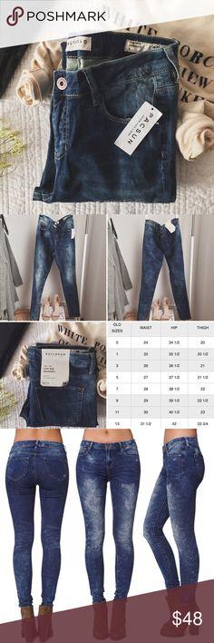 "sᴀʟᴇ↞ ʙᴜʟʟʜᴇᴀᴅ ʟᴏᴡ ʀɪsᴇ sᴋɪɴɴɪᴇsᴛ ᴅᴇɴɪᴍ NWT Bullhead low-rise skinniest denim from PacSun. The denim is distressed, soft, and has a great stretch. Perfect to pair with booties! I have included PacSun's size chart (shown above).  ‣88% ᴄᴏᴛᴛᴏɴ, 11% ᴘᴏʟʏᴇsᴛᴇʀ, 1% sᴘᴀɴᴅᴇx  ‣ʟᴇɴɢᴛʜ: 41""   ✨Pet friendly home ✨Please feel free to ask any questions ✨Reasonable offers are welcomed ✨Bundle to save more! PacSun Jeans Skinny"