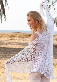 Smukt hæklet sommersjal med det fineste hulmønster – sjalet er hæklet i 100 % bomuld