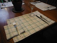 Set of 4 Reversible Cloth Placemats with 4 Matching Napkins - repurposed bedsheets - blue plaid