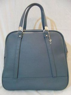 """LARGE ROOMY VINTAGE """"AMERICAN TOURISTER"""" SLATE BLUE IMITATION LEATHER AIRLINE CARRY ON LUGGAGE TRAVEL WEEKEND OVERNIGHT TOTE BAG WITH KEY -  NEW WITHOUT TAGS!"""