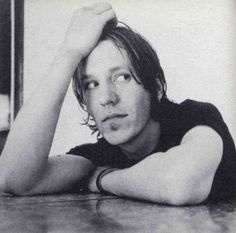 Elliott Smith I Love Him, Peace And Love, Conquistador, Music Icon, Attractive People, Popular Music, Playing Guitar, Music Stuff, Soundtrack