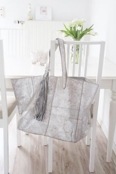 NICOLE PIETAG Beach Bag Leather used look, silver/sand