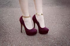 maroon & gold heels Another pair I seriously want and know I would probably fall off of but its worth the risk :)