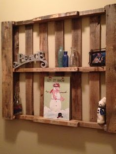 Pallet Shelf decorated for Christmas