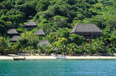 Book the perfect hotels, cars and national flight with the best travel agency madagascar. We plan your trip in madagascar - and at an affordable price Nosy Be Madagascar, Madagascar Travel, Archipelago, Jungle House, Fauna, Wonderful Places, Places To Go, Tours, Pink