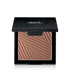 mark. Glow Together Hook Up Bronzing Powder | AVON Radiance boosting bronzing powder in a square shaped palette. This is the next generation of Hook Ups featuring magnetic palettes. Connect 2 of the eyeshadow, bronzer or blush palettes side to side or back to back for the ultimate color hook up. #bronzer #markbyavon #bebeautybrave