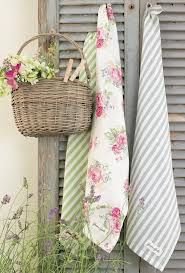9 Easy Ways To Add Simple But Effective Decoration Deisgn Style Cottage Charm: Use old shutters to hang towels and basket behind our hot tub! The Best of shabby chic in Rose Cottage, Shabby Chic Cottage, Cottage Style, Garden Cottage, Chic Retro, Ideas Terraza, Deco Boheme Chic, Vibeke Design, Country Charm