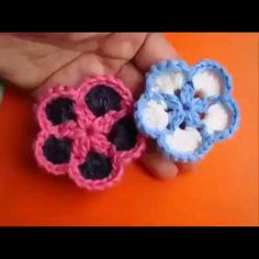 Wonderful Totally Free Crochet flower step by step. Popular This is actually the sleeve crown also referred to as the sleeve head or sleeve top The top nearly Crochet Applique Patterns Free, Crochet Stitches Free, Crochet Flower Patterns, Crochet Flowers, Free Pattern, Crochet Crafts, Easy Crochet, Crochet Lace, Crochet Projects