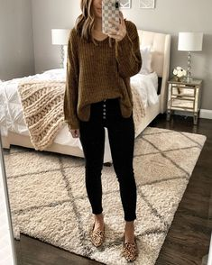 Stylish 54 Lovely Fall Womens Black Jeans Outfits Ideas To Copy Right Now Casual Winter Outfits, Spring Outfits, Trendy Outfits, Cute Outfits, Fashion Outfits, Work Outfits, Womens Fashion, Black Jeans Outfit Winter, Comfy Work Outfit