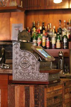 Restaurant Piazza,Vintage Style Kasse GASTROFIX von der Seite