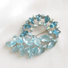 Vintage JULIANA Style Shades of Blue by MyVintageJewels on Etsy