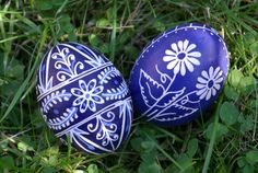 czech egg | these cobalt blue kraslice eggs are from here