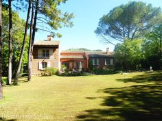 Beautiful villa for sale with views and swimming pool near Ceret, in the Languedoc-Roussillon, Pyrenees-Orientales.