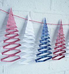 Papír karácsonyfa füzér egyszerűen (nyomtatható mintaívvel)