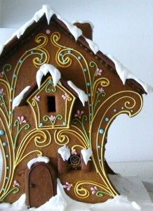 This gingerbread house almost looks like a gingerbread birdhouse! - gorgeous! / Gingerbread House #gingerbread  #christmas