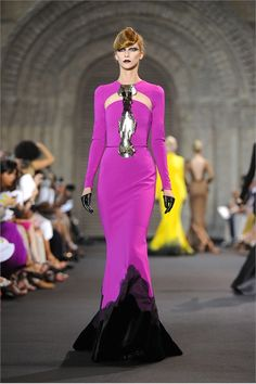 Stéphane Rolland 's 2012 Autumn / Winter collection had a sense of movement and fluidity that still inspires design lovers.