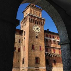 Ferrara, Arco Estense del Castello - Instagram by hotelannunziata