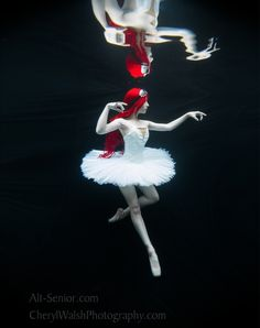 An Underwater Look at Senior Portraits | Interview With Cheryl Walsh of Alt-Senior