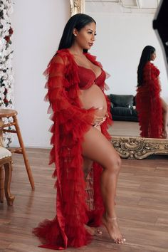 Girl Maternity Pictures, Maternity Photo Outfits, Maternity Dresses For Photoshoot, Maternity Fashion, Maternity Gowns, Photo Shoot Outfits, Cute Pregnancy Pictures, Glam Photoshoot, Pregnancy Looks