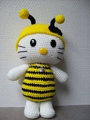 Kitty Bee pattern from Havva Ünlü
