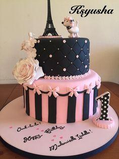 Black and pink Paris cake. Paris Birthday Cakes, Paris Themed Cakes, Paris Birthday Parties, Paris Cakes, 18th Birthday Cake, Paris Party, Bolo Barbie Paris, Bolo Paris, Fondant Cakes