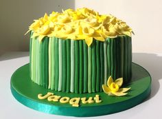 Bunch of daffodils cake for a Welsh lady's birthday.