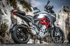 2015 MV Agusta Turismo Veloce 800 static rear view - THAT EXHAUST.
