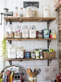 Kitchen shelves made from old doors. Farmhouse Style Kitchen, Rustic Kitchen, Vintage Kitchen, Kitchen Dining, Kitchen Decor, Kitchen Shelves, Kitchen Pantry, Kitchen Storage, Summer Kitchen