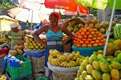 Come to the market, buy some fresh fruits from Haiti.