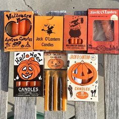 media for hashtag . Vintage Halloween Images, Vintage Halloween Decorations, Retro Halloween, Halloween Candles, Halloween Night, Spooky Halloween, Vintage Images, Halloween Crafts, Halloween Stuff