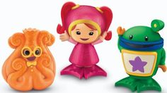 "Fisher-Price Umizoomi: Milli, Bot and Squiddy Bath Squirters by Fisher-Price. $11.99. Squirters float in tub. Milli, Bot and Sea Turtle squirt water. Chunky styling perfect for little hands. Fun Umizoomi bath squirters. Make bathtime a splash. From the Manufacturer                Fun Umizoomi Mighty Bath Squirters bring excitement to bathtime. Each squirter is 3.5"" tall and floats in the tub. Fun Umizoomi bath squirters. Make bathtime a splash. Milli, Bot and Se..."