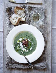 Sopas são as companheiras ideais para aquecer as noites frias do inverno. Confira dicas para escolher a louça adequada e saber como servir sopa com estilo.