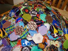 Lovely pile of hexies. Image Tips, English Paper Piecing, Scrappy Quilts, I Am Happy, Dollar Stores, Thrifting, Giveaway, It Is Finished, Blanket